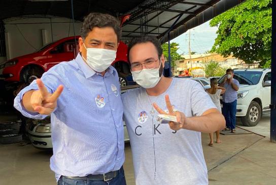 Em caminhada com candidato a prefeito Talles Barreto