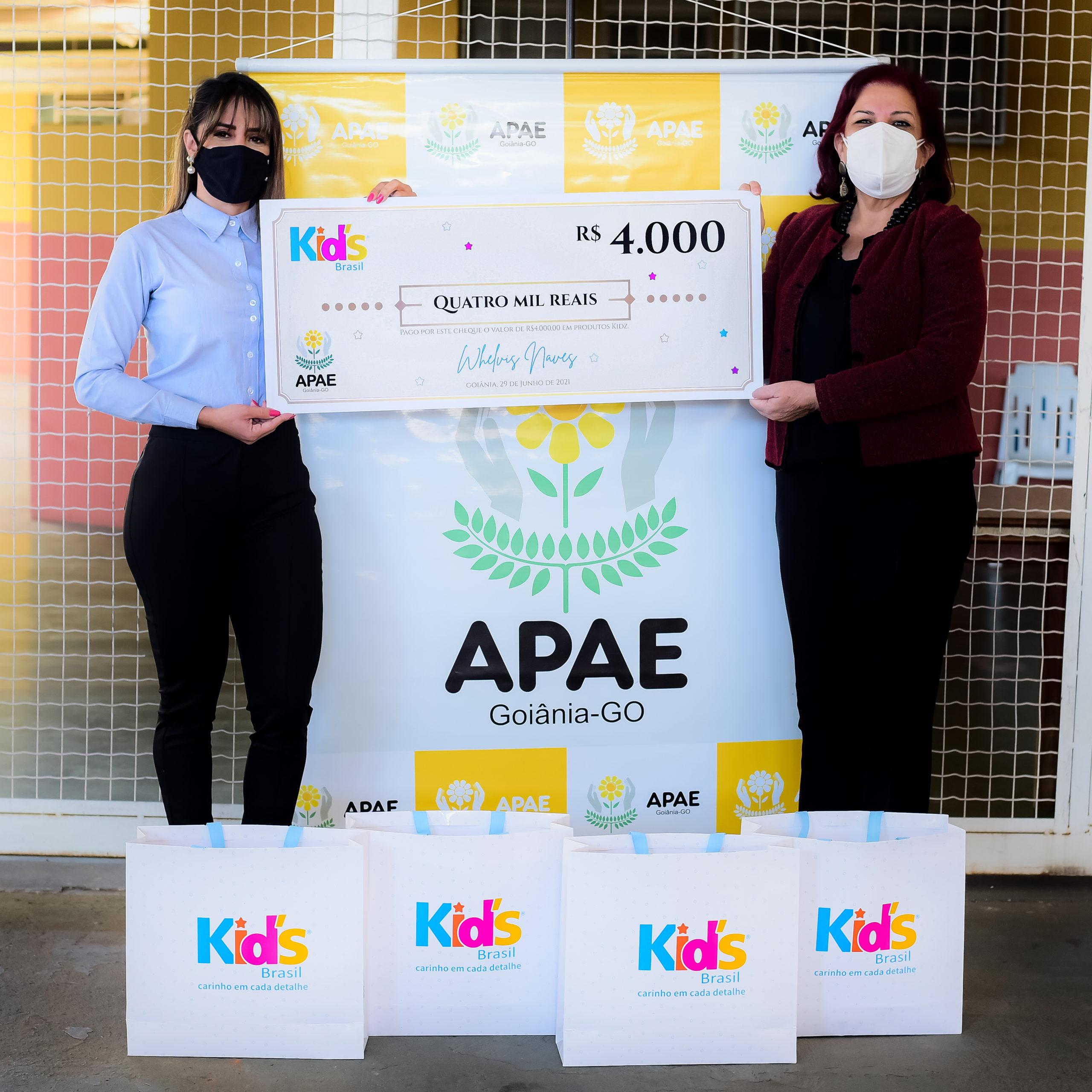 Kid's Brasil contempla APAE com doação